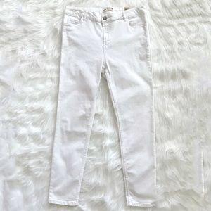 Denim - New women's white skinny Capri jeans size 31.